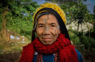 myanmars-tattooed-tribeswomen-body-image-1448023540
