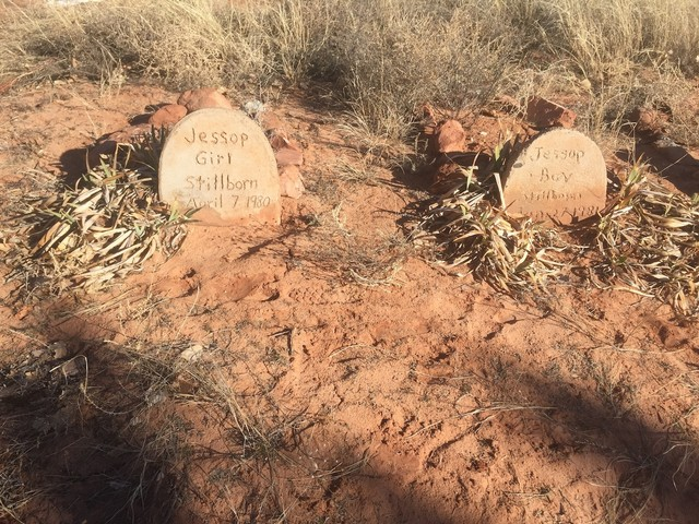 Short Creek Utah Map.Tiny Tombstones Inside The Flds Graveyard For Babies Born From