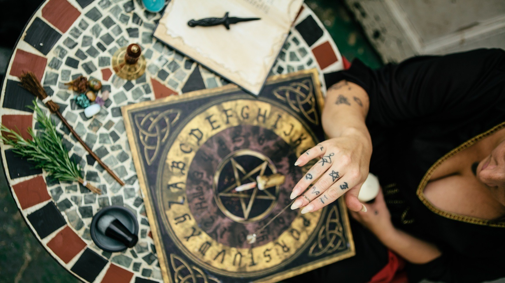 Witches of America: One Woman's Journey into the Secret World of Modern Magic