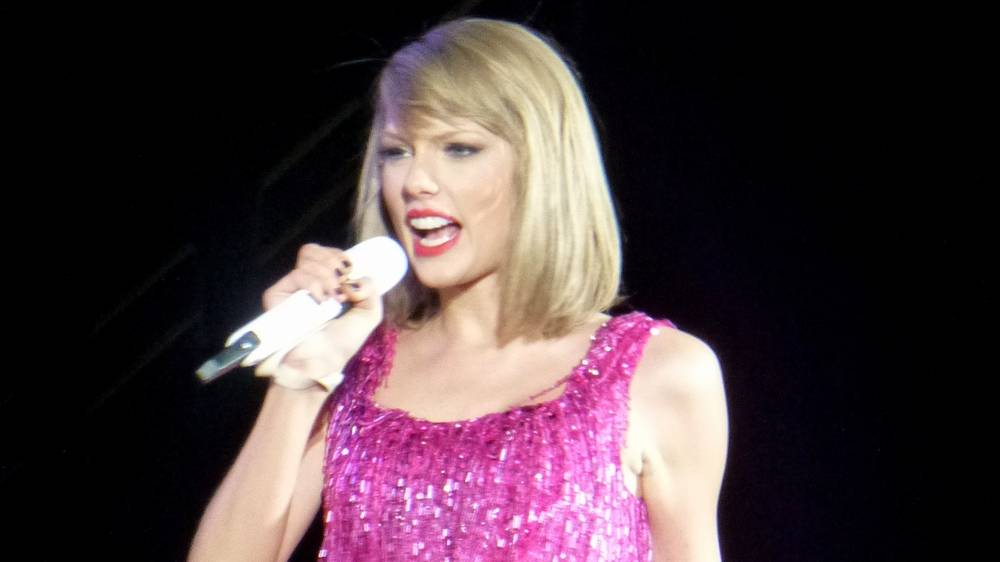 The Bizarre Taylor Swift Conspiracy Theory That She Is Secretly Gay