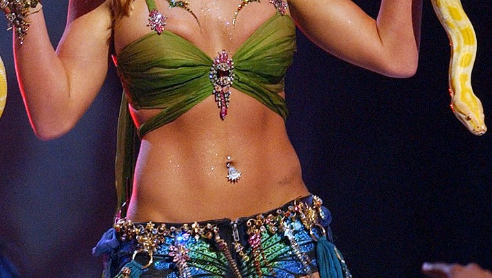Why the Belly Button Ring Is Set for a Comeback
