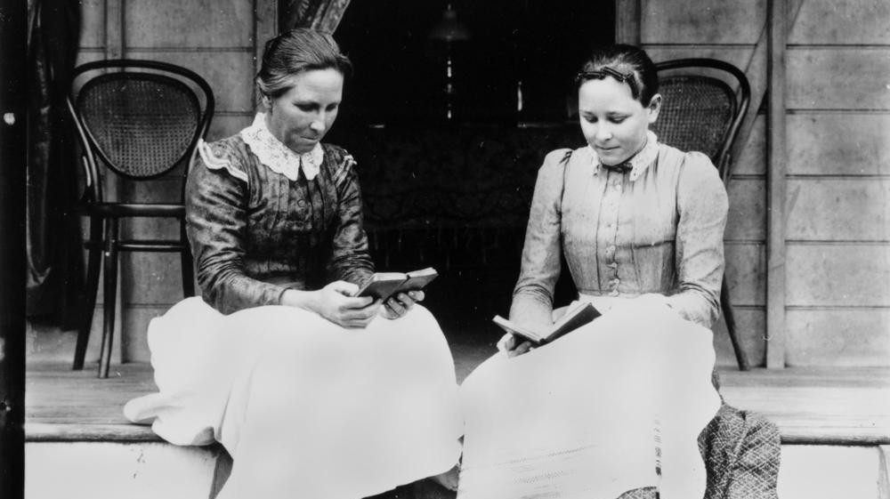 A History of Radical Thinking: How Women Created Book Clubs