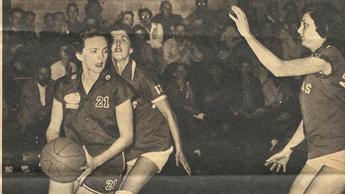Flying Queens: The Forgotten Legacy of Basketball's Most Successful Female Team