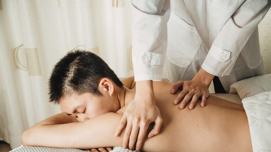 For Trans and Queer People, Massage Therapy Can Be a World of Pain
