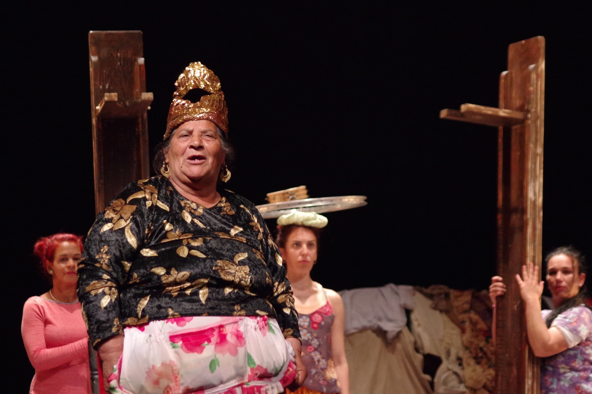 The Roma Women Taking Center Stage In Spain S Theater Scene Broadly