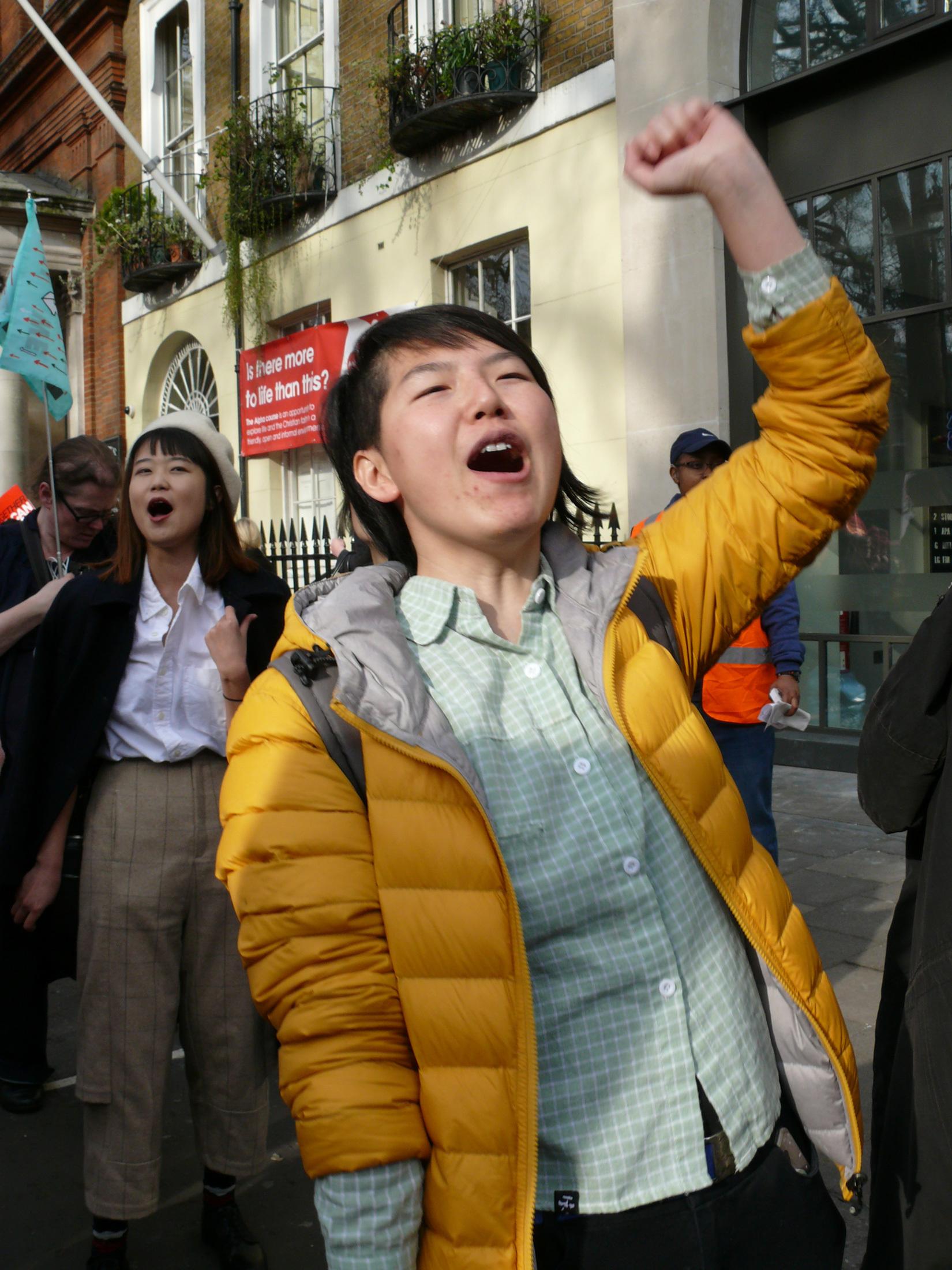 Schwarze und chinesische Lesbe Pnude Girls